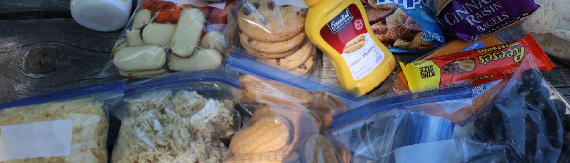 Přebalování potravin do ziplocků